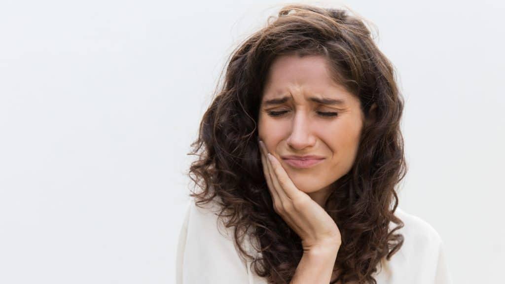 kaplama ve köprü altındaki diş ağrısı nasıl geçer