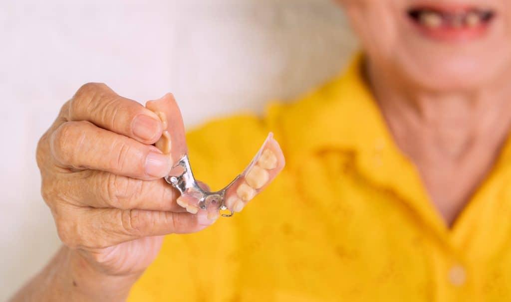 Diş protez vuruklarına ne iyi gelir